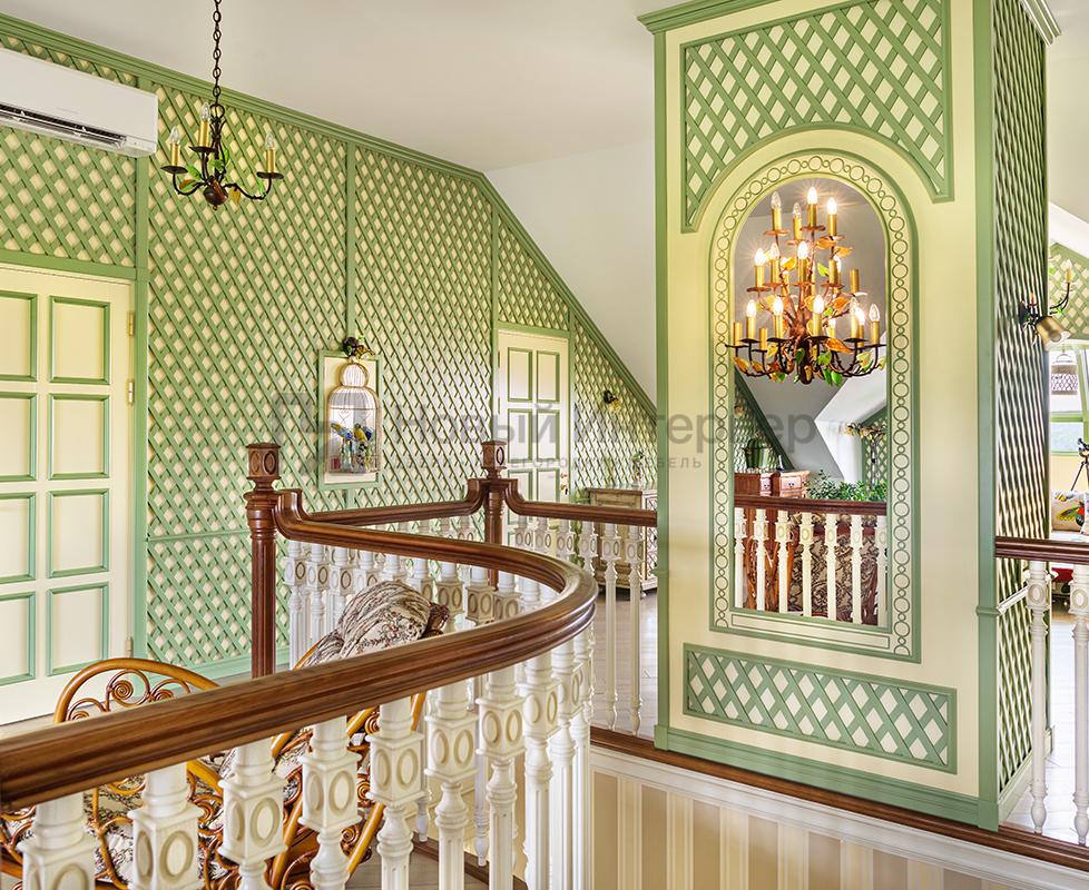 Мансарда частного дома крашенные двери Tavolleta, стеновые панели Art Studia по эскизу дизайнера