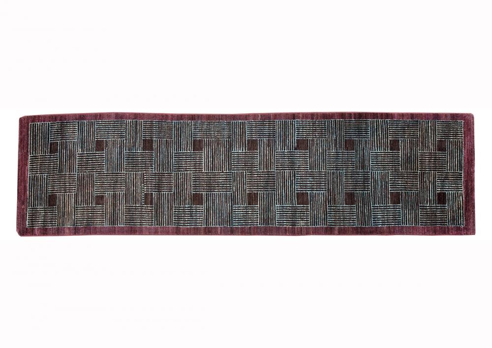 Ковер из коллекции Баухауз. Текстильный дизайн.<br />Автор Alen Muller-Hellwig. 1928 г. Германия. Состав шерсть.<br />Ковер соткан в Пакистане. Размер : 74×342 см. (006383)