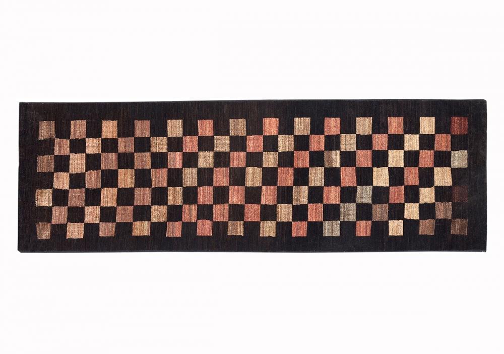 Ковер из коллекции Баухауз. Текстильный дизайн.<br />Автор L.H. de Koninck. 1923 г. Германия. Состав шерсть.<br />Ковер соткан в Пакистане. Размер : 84×276 см. (006384)