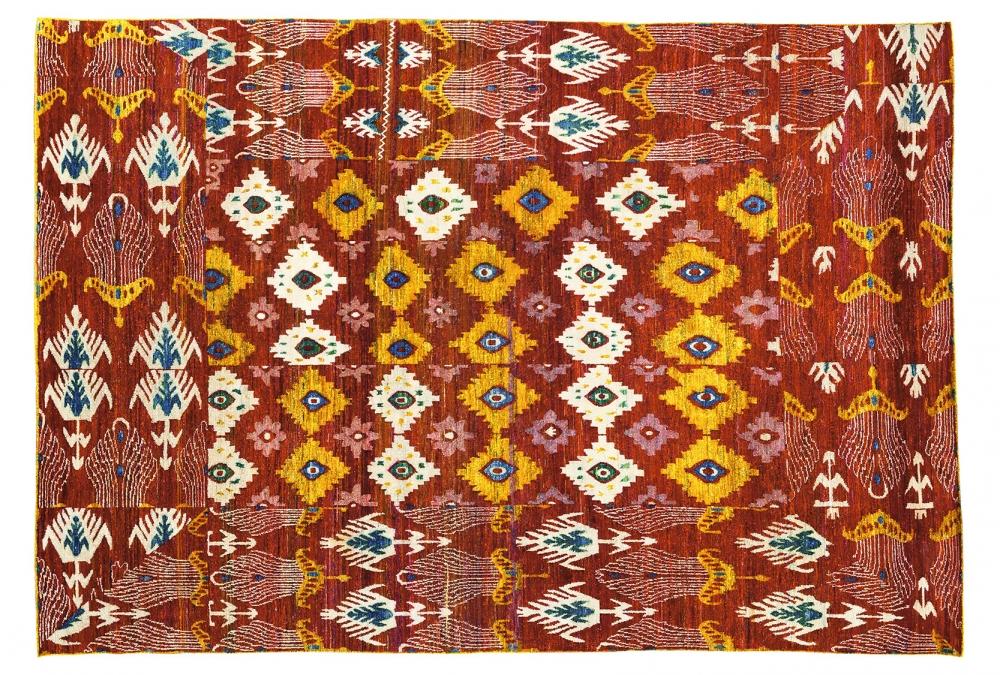 Икат №72. Дизайн 2-ой половины 19 века.<br />Ковер соткан в Джайпуре (Индия).<br />Состав шелк. Размер : 272х378 см. (006812)