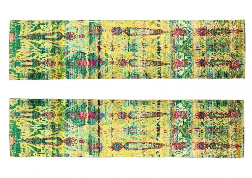 Парные Икаты. Дизайн 19 века.<br />Ковры сотканы в Джайпуре (Индия). Шелк Сари.<br />Размер : 77х304 см. (005309)<br />Размер : 80х307 см. (005310)
