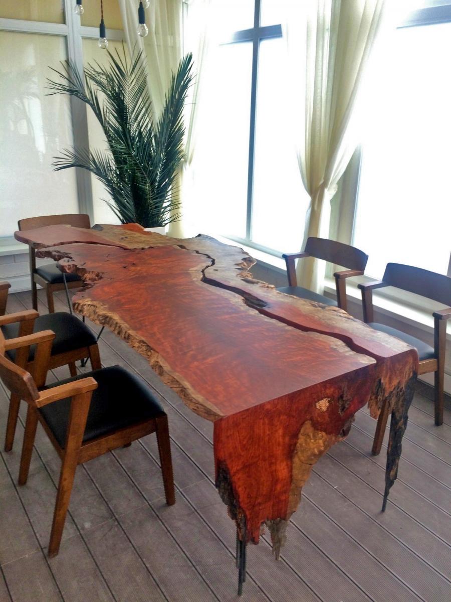 Стол из слэба дерева Бубинга
