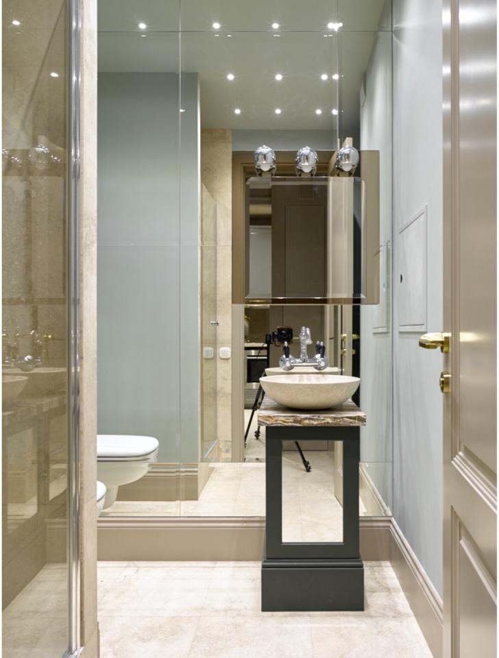 Ванная комната.<br />Подстолье под раковину и межкомнатная дверь нашего производства.