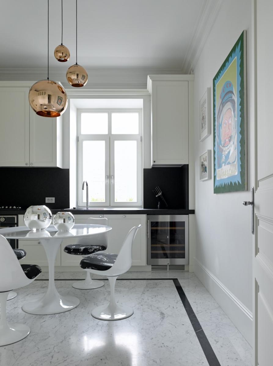 Белая кухня по проекту дизайнера собственного столярного производства.<br />Проект Анны Муравиной.