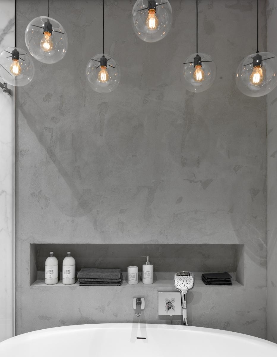 Ванная комната. Широкоформатный керамогранит Maxfine Marmi, FMG; сантехника, Villeroy & Boch.